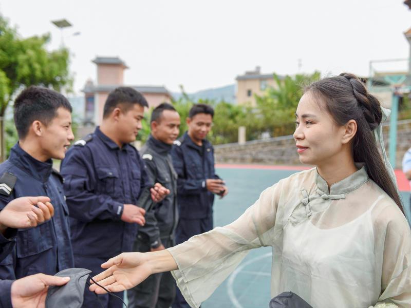 云南临沧边境管理支队联合清水河出入境边防检查站开展心理辅导到一线活动