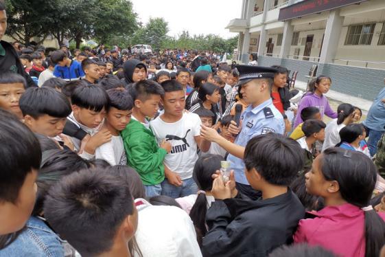 """云南红河绿春平河:""""多味""""禁毒宣传教育活动受青睐"""